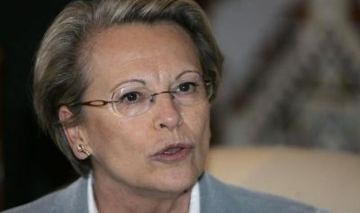 1-french-interior-minister-alliot-marie-speaks-during-a-news-conference-upon-her-arrival-in-algiers_199.jpg